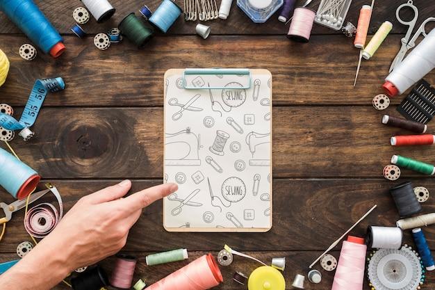 Mockup di appunti con il concetto di cucito
