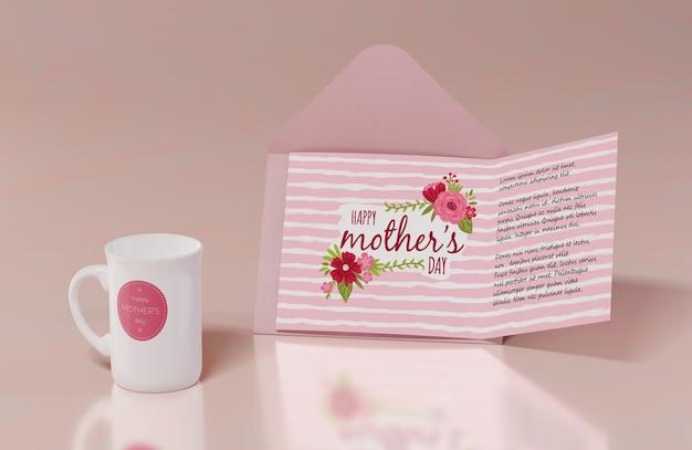 Cartolina d'auguri di giorno di madri del primo piano