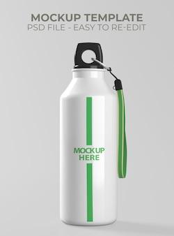 Крупным планом на макете алюминиевой бутылки для напитков