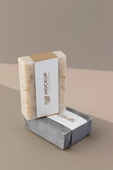 Крупным планом на макете упаковки мыла ремесленника
