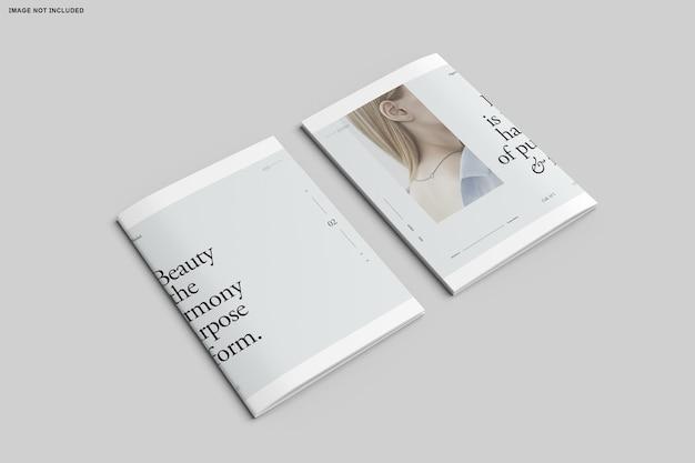 二つ折りパンフレットカタログのクローズアップ