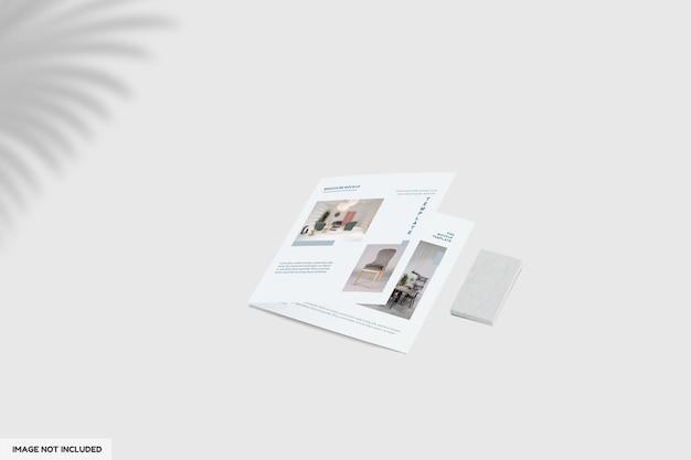 二つ折りの家具パンフレットのモックアップをクローズアップ