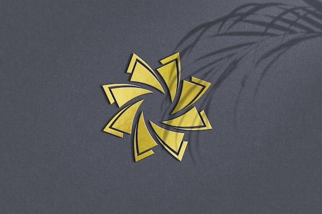Крупным планом дизайн макета золотого логотипа