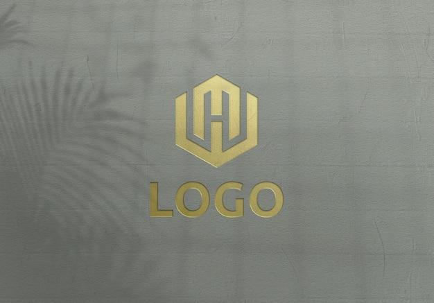 황금 로고 모형 디자인에 가까이