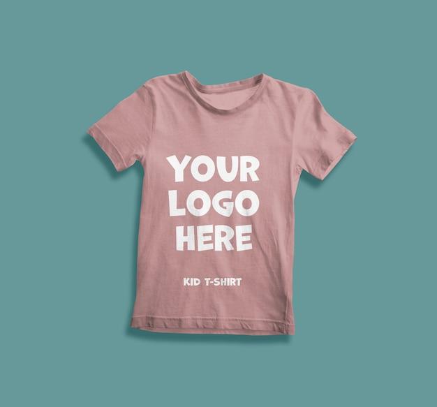 分離された子供のtシャツのモックアップにクローズアップ