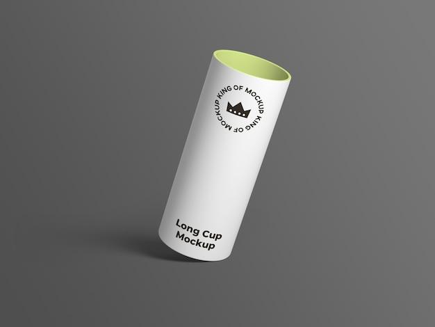 Крупным планом на изолированном макете большой чашки