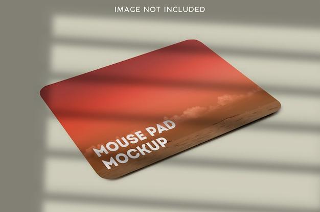 分離されたマウスパッドのモックアップをクローズアップ
