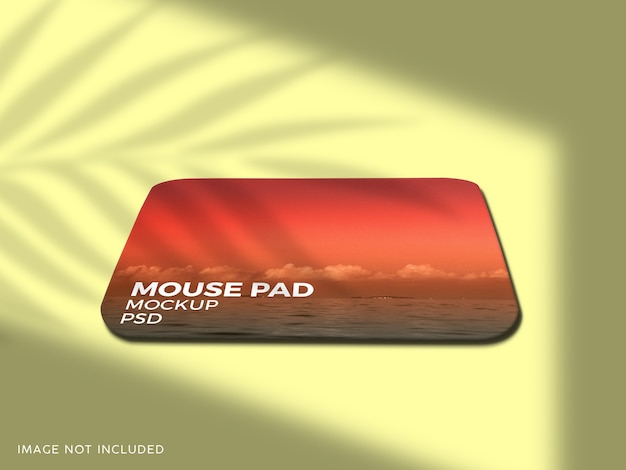 固体背景のマウスパッドのモックアップをクローズアップ
