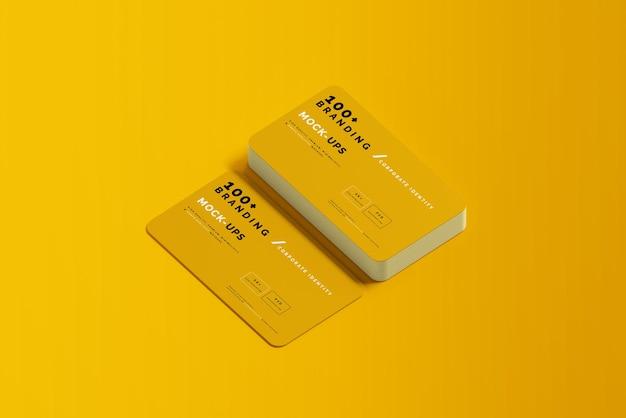 Закройте на упаковке макета визитной карточки
