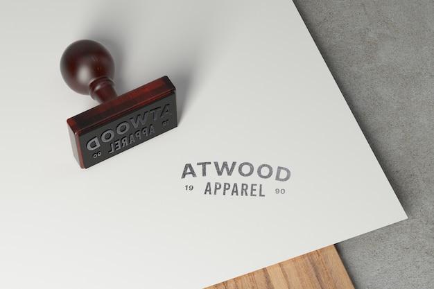 Крупным планом на макет логотипа резиновый штамп