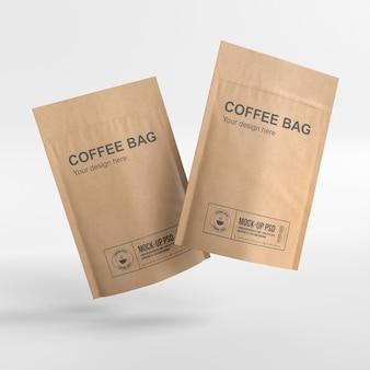紙のコーヒーバッグのモックアップを閉じる