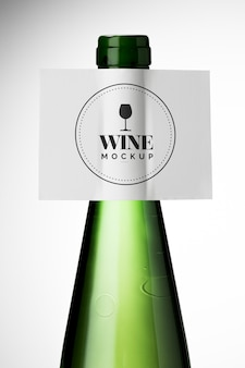Chiudere l'etichetta della bottiglia di vino mock up