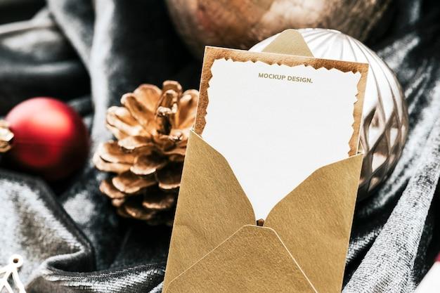 크리스마스 인사말 카드의 근접 촬영