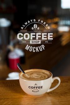 ショップモックアップでのコーヒー