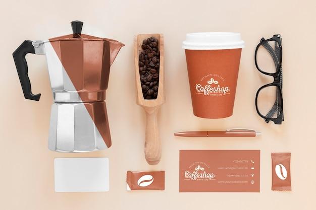 コーヒーのブランド要素の上面図