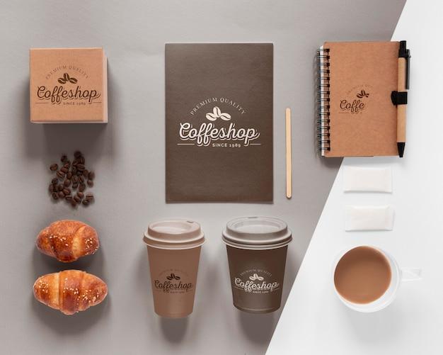 コーヒーブランディングアイテムの品揃え上面図