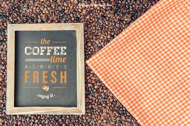 슬레이트와 천으로 커피 장식