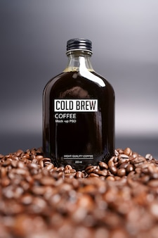 コールドブリューコーヒーボトルのモックアップ