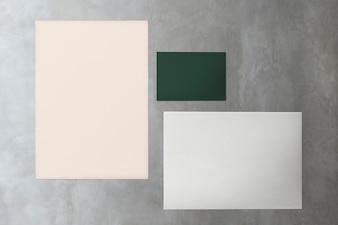 大理石のモックアップに紙のコレクション