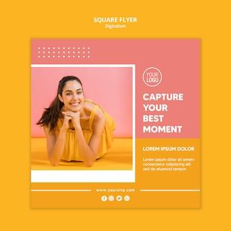 女性の写真とカラフルなデジタルチラシ