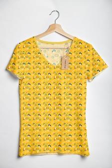 Mock-up colorato concetto camicia