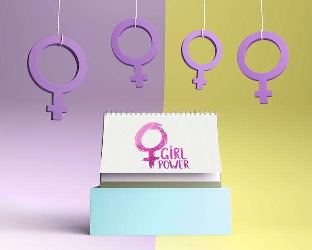 Композиция для концепции силы девушки