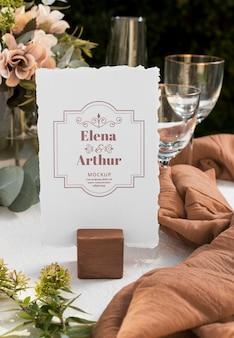 Композиция из элегантных свадебных макетов открыток