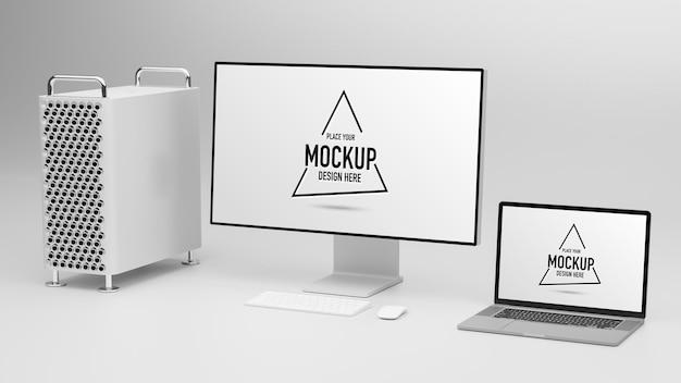컴퓨터와 고립 된 모형 스크린 노트북