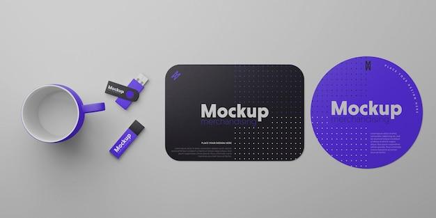 Progettazione di mockup di merchandising per computer