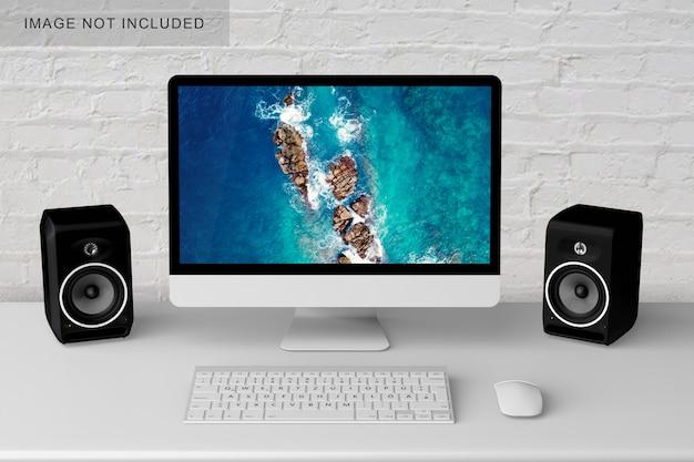 Компьютер на столе