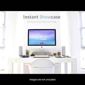 Компьютер на белом настольном макете Бесплатные Psd