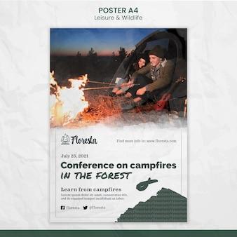 Modello di poster di conferenza sui fuochi da campo