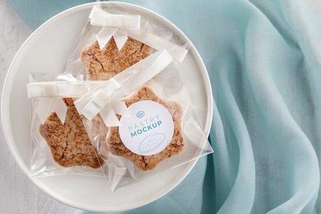 Cookies in transparent packaging