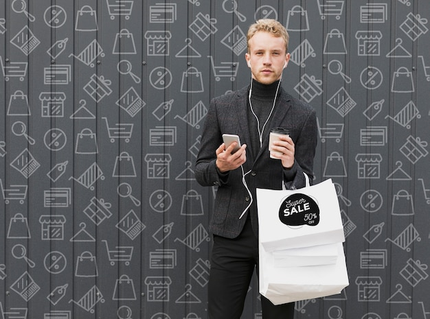 Copy-space male at shopping time