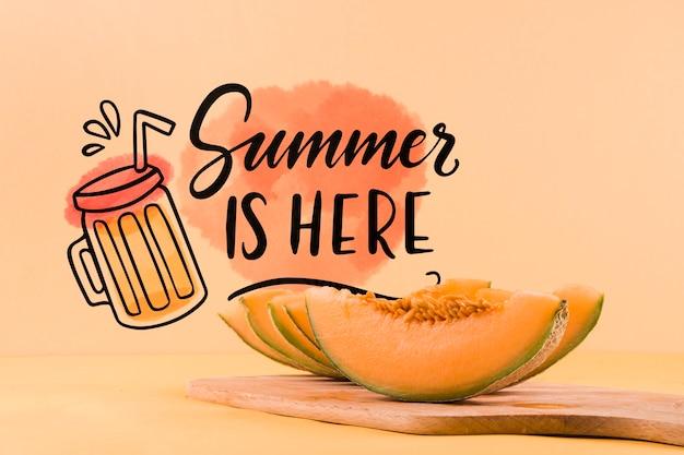 夏の概念のためのcopyspaceモックアップ