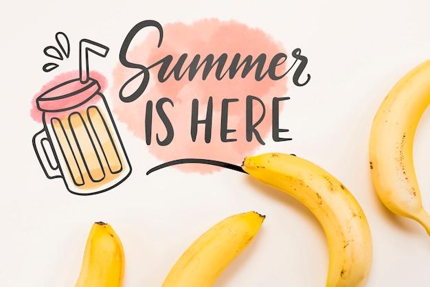 夏の果物とフラットレイアウトcopyspaceモックアップ