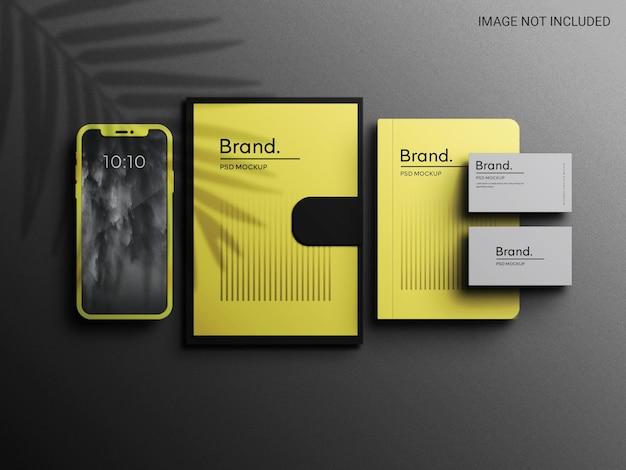 Pantone 색상의 기업 브랜딩 모형