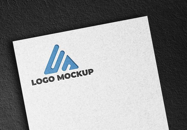 企業のアイデンティティ モックアップ ロゴとピラミッド