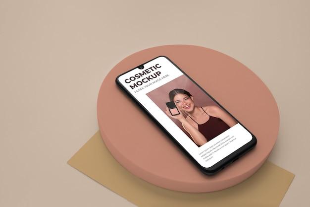 スタジオでの化粧品デバイスのモックアップ