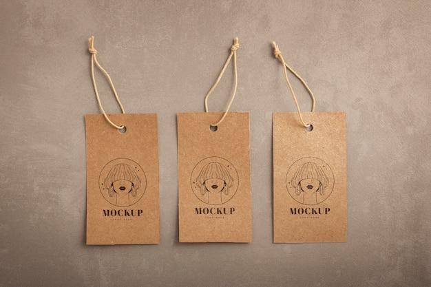 Mockup di etichette per appendiabiti artigianali