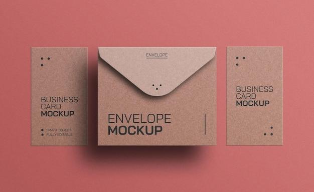 명함 모형이 있는 공예 종이 봉투