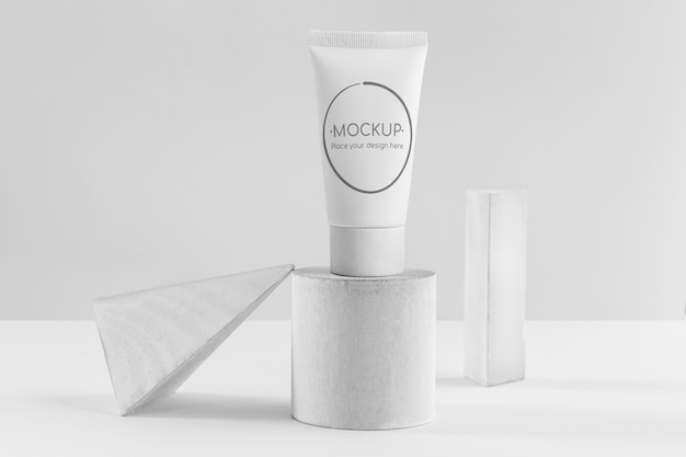 Cream jars set solid geometry