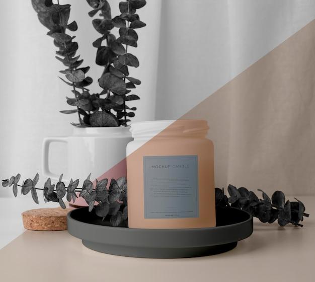 Disposizione creativa di confezioni di candele mock-up