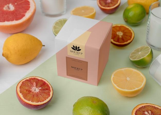 モックアップキャンドルパッケージのクリエイティブアレンジ