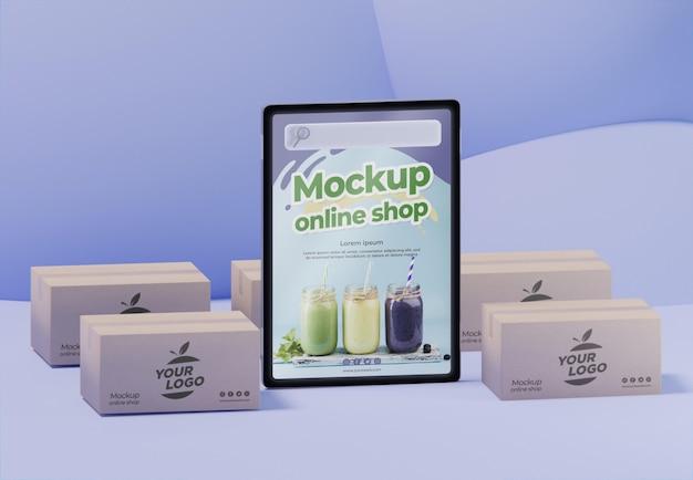 Composizione aziendale creativa con tablet mock-up