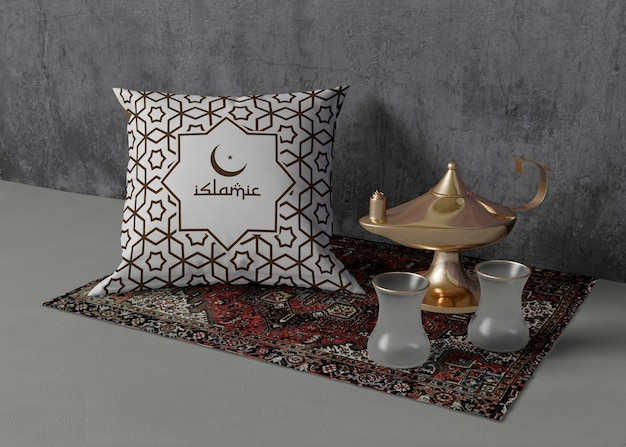 Творческая композиция из различных элементов рамадана