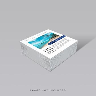 정사각형 전단지 모형의 창의적인 개념 데크