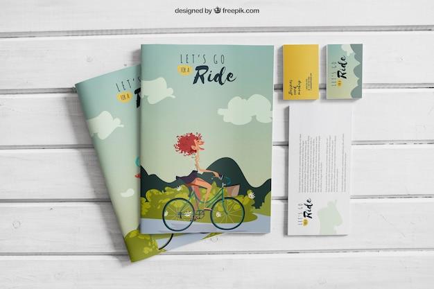 Творческий макет книг и карточек