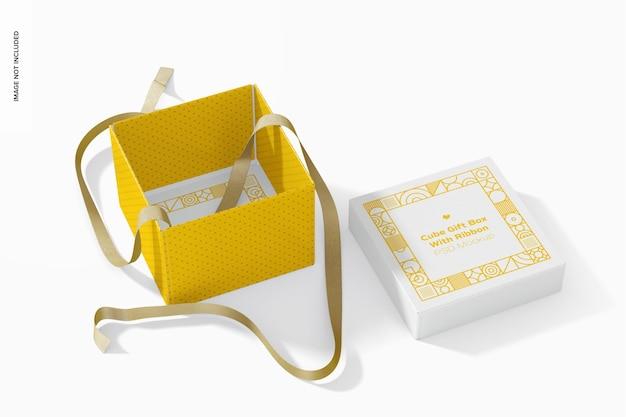 리본 모형이있는 큐브 선물 상자, 열림