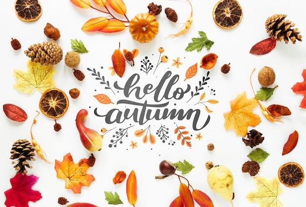 Симпатичная композиция из засушенных листьев